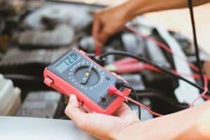 Comment tester une batterie voiture ?
