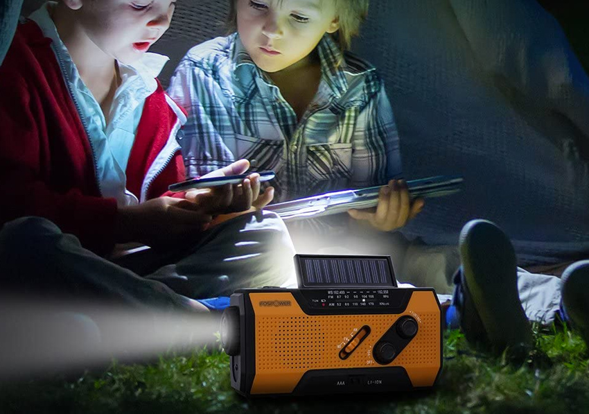 Radio solaire d'urgence FosPower avec lampe torche