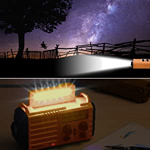 Radio solaire Mesqool avec une lampe de lecture et une lampe torche