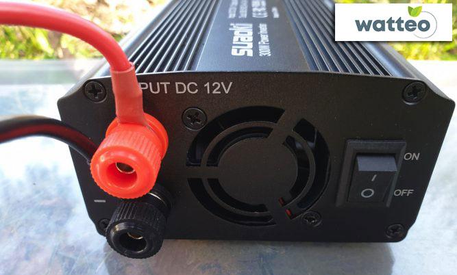 Raccorder batterie et convertisseur de tension