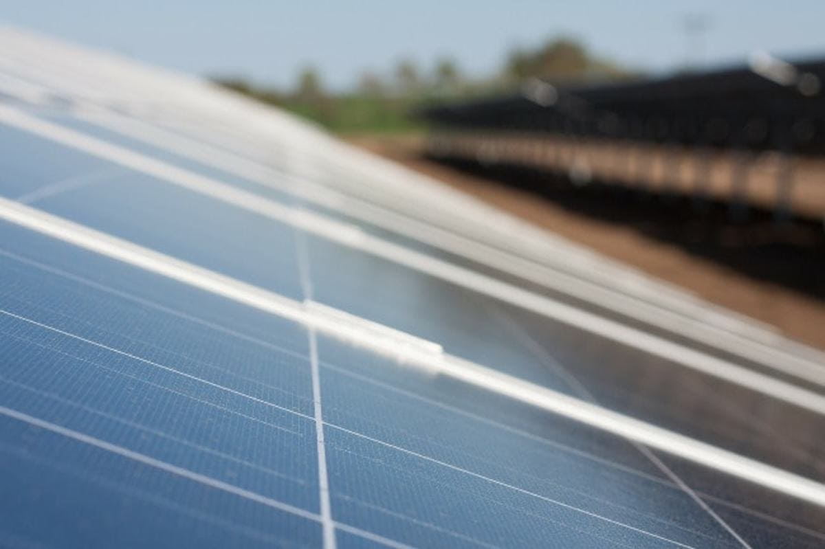 Guide d'achat complet sur les panneaux solaires de type polycristallins