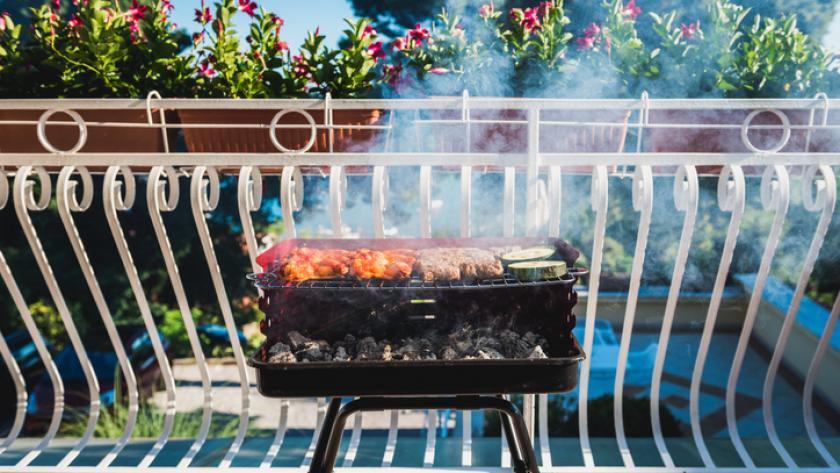 Avons nous le droit de faire un barbecue sur un balcon ?
