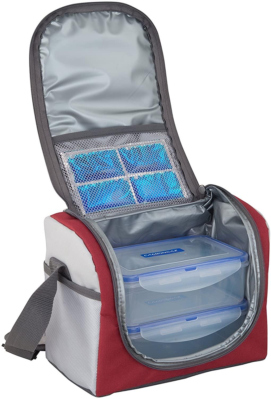 Un accumulateur de froid Freez Pack Small et deux boites hermétique Campingaz sont inclus avec le sac isotherme repas