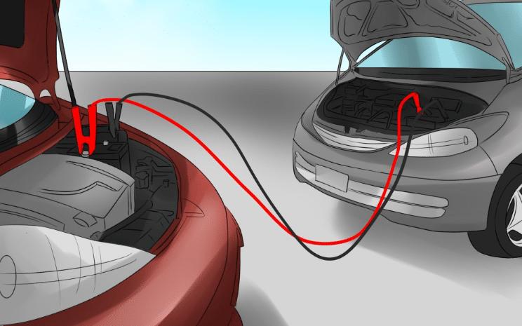 Démarrer une voiture en panne de batterie avec des câbles de démarrage
